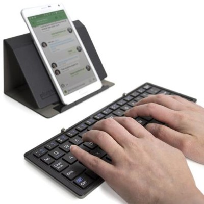 Plugable BT-KEY3 Plugable Bluetooth Folding Keyboard and Case for Android  iOS  Windows